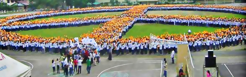 The Largest Human Peace Sign in the World
